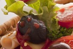 在开胃菜的黑橄榄 库存照片
