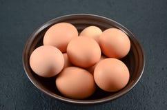在弓的许多鸡蛋 库存图片