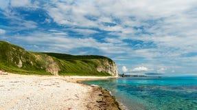 在弗拉基米尔海湾的美丽的海岸  库存照片
