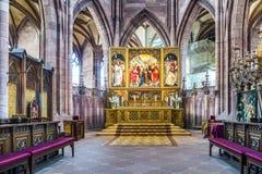 在弗莱堡大教堂的法坛 免版税图库摄影