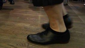 在弗洛伊德的星期五晚上狂欢活动的跳舞脚 股票录像