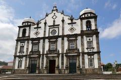 在弗洛勒斯亚速尔群岛葡萄牙海岛上的教会  免版税库存照片