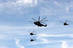 在形成的直升机 免版税库存照片