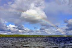 在彩虹的湖 免版税库存图片