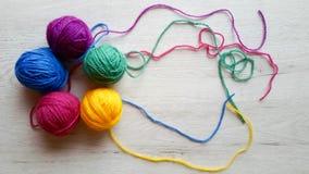在彩虹颜色的编物纱 图库摄影