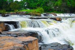 在彭世洛泰国的瀑布 库存照片