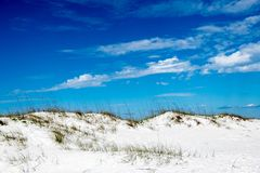 在彭萨科拉海滩的沙丘 库存照片