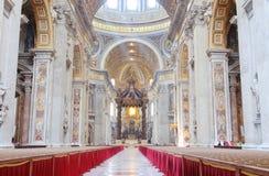 在彼得s st里面的大教堂 免版税库存图片
