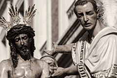 在彼拉多,圣周前的耶稣在塞维利亚,圣贝尼托团体  免版税库存照片