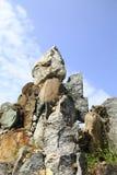 在彼此层化了石头到一个石庭院,晃动 免版税库存图片