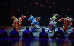 """在往日的宗教节日给的村庄戏剧演出-跳舞戏曲海丝绸Road† """"The梦想  库存照片"""