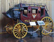 在得克萨斯牛仔名人堂的一辆驿马车 库存照片