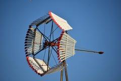 在得克萨斯采取的风车图象,当在驱动时 图库摄影