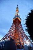在微明的东京铁塔 免版税库存图片