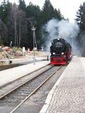 在德国山的老蒸汽火车 免版税库存照片