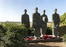 在德国战争公墓的埃米尔Krieger雕象在Langemark 库存照片