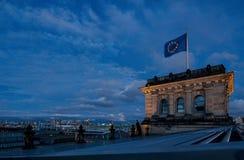 在德国Reichstag的屋顶上,议会 免版税库存照片