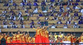 在德里3月11-13 2016古典舞蹈红色礼服的WCF 库存图片