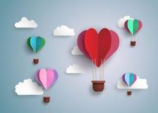在心脏形状的热空气气球 免版税库存照片