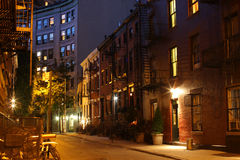 在快乐街道的夜 免版税库存照片