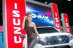 在性感的礼服的Unkwon模型有在第35个曼谷国际汽车展示会的isuzu汽车的,在驱动的概念秀丽2 3月27日, 免版税库存照片