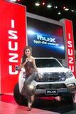 在性感的礼服的Unkwon模型有在第35个曼谷国际汽车展示会的isuzu汽车的,在驱动的概念秀丽2 3月27日, 免版税库存图片
