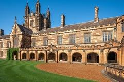 在悉尼大学,澳大利亚的哥特式复兴建筑学 图库摄影