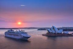 在悉尼歌剧院的日出 库存图片