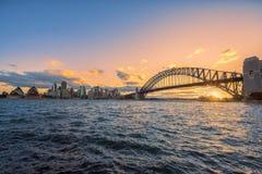 在悉尼港口悉尼澳大利亚的日落 库存图片