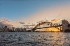 在悉尼港口悉尼澳大利亚的日落 免版税库存照片