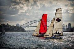 在悉尼港口的18只脚小船 免版税图库摄影
