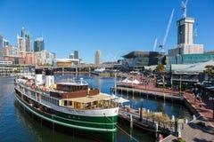 在悉尼附近的市中心的达令港 库存照片