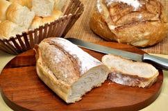 在意大利人上添面包 库存照片