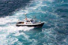 在意大利海岸的领航船 库存图片