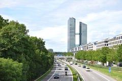 在慕尼黑突出塔,死Hochhaeuser -高层建筑物 库存照片