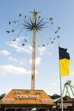在慕尼黑啤酒节的巨大的Chairoplane在慕尼黑 免版税库存图片