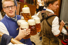 在慕尼黑啤酒节的Braeurosl在慕尼黑,德国, 2015年 库存照片