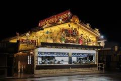 在慕尼黑啤酒节的Goldener哈恩摊位在慕尼黑,德国, 2015年 图库摄影