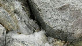 在慢动作录影的一条山河浇灌 股票视频