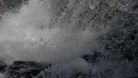 在慢动作的瀑布背景 股票视频