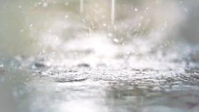 在慢动作的雨珠 影视素材