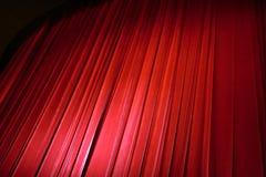 在戏院的红色帷幕 免版税库存图片