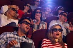 在戏院的震惊的3D电影 图库摄影