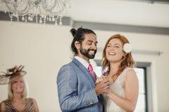 在我们的婚礼的第一个舞蹈 库存照片