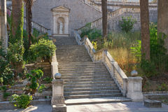 在我们的夫人教会诞生的楼梯在Prcanj镇,黑山 免版税库存照片