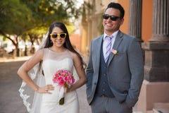 在我们的婚礼的佩带的太阳镜 免版税图库摄影