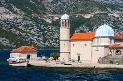 在我们的礁石的夫人海岛上的教会,黑山 库存图片