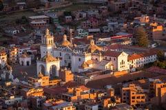 在我们的科帕卡巴纳,玻利维亚的夫人大教堂的Arial视图  免版税库存图片