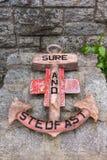 在战争纪念建筑的船锚在威廉堡,苏格兰 免版税库存照片