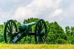 在战场的孤立大炮 图库摄影